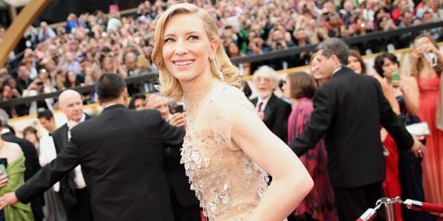 Ngoài các nam diễn viên đình đám, sẽ có nữ diễn viên từng giành giải Oscar - Cate Blanchett - vào vai Hela, một nữ thần phù thủy.