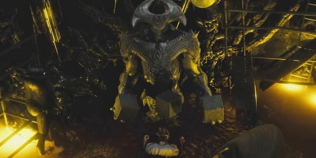 Hiện tại mới có rất ít thông tin được tiết lộ về nội dung phim, theo đó, các fan chỉ biết rằng Liên minh Công lý sẽ phải đối diện với nhân vật phản diện Steppenwolf.