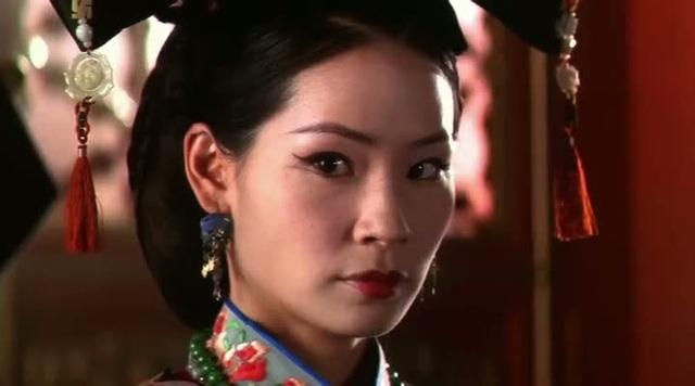 """""""Shanghai Noon"""" (Trưa Thượng Hải - 2000) từng có sự tham gia của nhan sắc gốc Á Lucy Liu (Lưu Ngọc Linh)."""