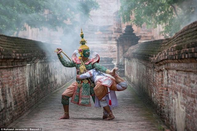 Vũ điệu Khon phản ánh sự giao thoa văn hóa giữa Ấn Độ và Thái Lan.