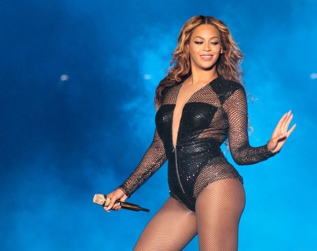 """Beyonce chi 2 tỷ đồng phá xe… """"vị nghệ thuật"""" - 2"""