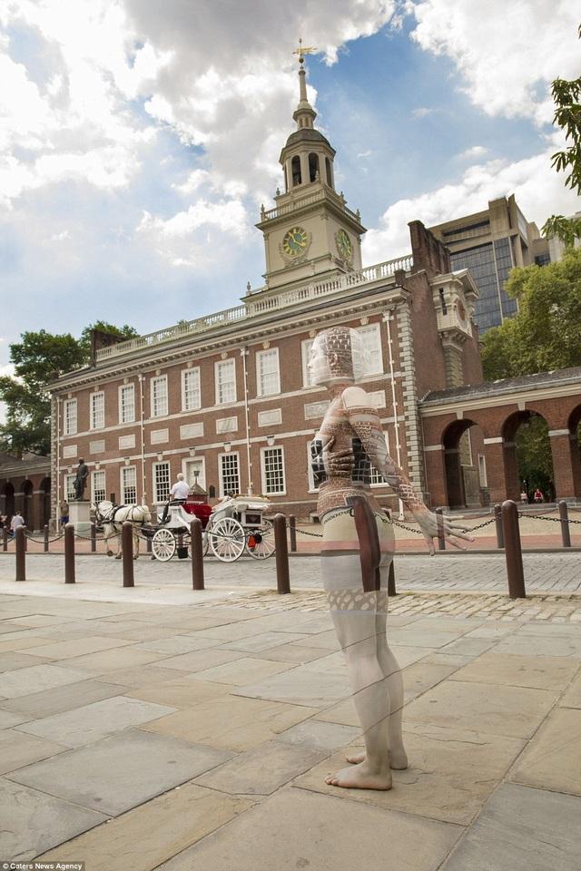 Quang cảnh trước tòa nhà Independence ở Philadelphia, Pennsylvania, Mỹ.
