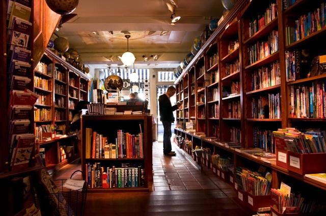 Kỳ lạ những người mua sách về chỉ để… ngắm - 3
