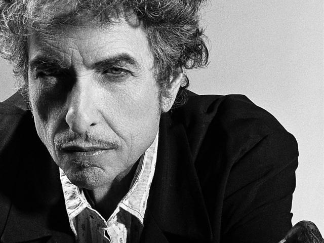 Đây là lần đầu tiên giải Nobel Văn học trao cho một… nhạc sĩ
