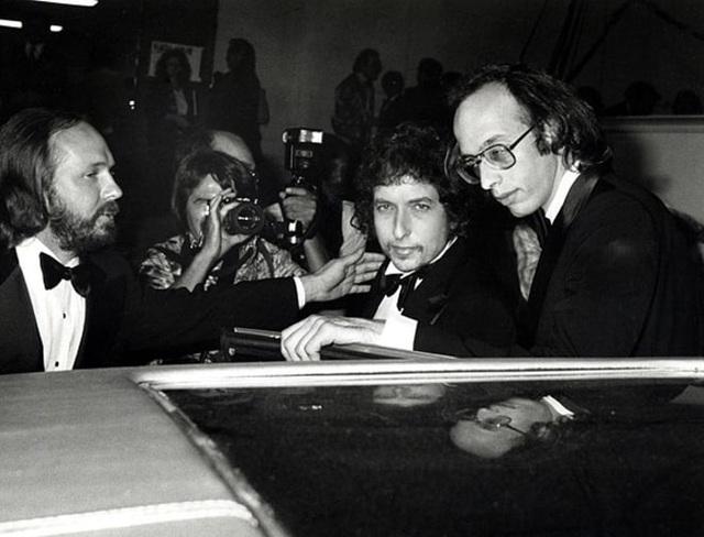 1980: Bob Dylan xuất hiện tại lễ trao giải Grammy ở Los Angeles, Mỹ.