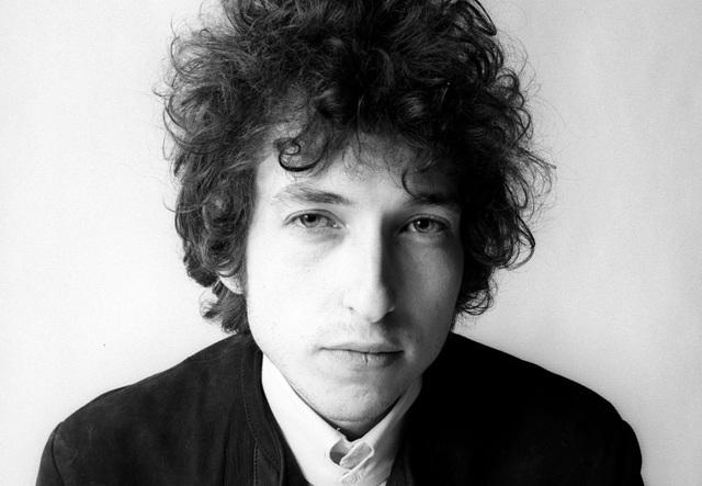 """Bob Dylan """"không buồn quan tâm"""" tới giải Nobel Văn học - 1"""