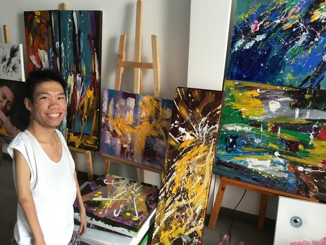 Lê Minh Châu và những bức vẽ phong cách hội hoạ đương đại mới hoàn thành