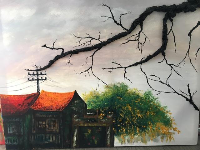 Tranh phong cảnh Hà Nội kết hợp giữa ngôn ngữ hội họa cổ điển và đương đại với những cành cây được thực hiện bằng chất liệu khăn giấy.