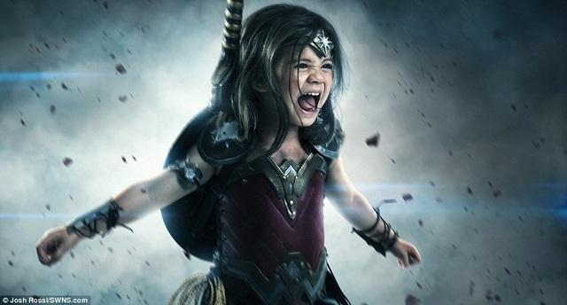 Cô bé Nellee 3 tuổi hóa thân thành nữ siêu anh hùng Wonder Woman.
