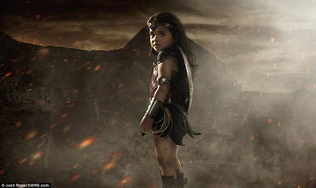 Bộ ảnh đáng yêu của cô bé Wonder Woman tí hon đã rất thu hút sự quan tâm của cư dân mạng.