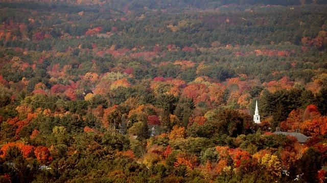 Những sắc màu mùa thu ở Easthampton, bang Massachusetts, Mỹ.