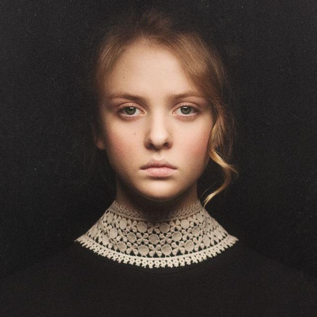 Giải ba thuộc về Paul Apalkin (Ukraina) với bức ảnh chân dung chụp một cô bé có tên Liza.