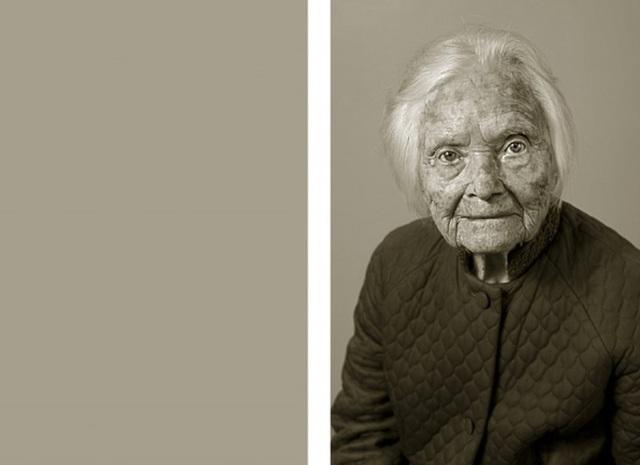 Bà Marie Fejfarová đã quyết định đốt tất cả những những bức ảnh, thư từ, giấy tờ liên quan tới cuộc đời mình để chuẩn bị cho cái kết cuối cùng. Vì vậy, nhiếp ảnh gia Jan Langer không có bức ảnh thời trẻ nào của bà để so sánh. (Ảnh phải: hiện giờ bà 101 tuổi)