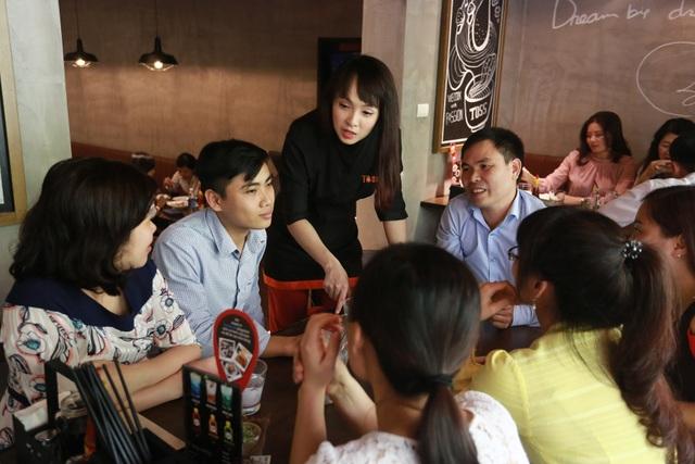 """Vua đầu bếp Minh Nhật: """"Với thế giới giải trí, tôi như đứa quê mùa"""" - 2"""