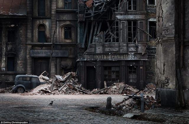 """Phim trường của Mosfilm cũng là phim trường lớn nhất của Nga. Hãng đã sản xuất hơn 3.000 bộ phim, trong đó có nhiều phim điện ảnh kinh điển, như """"Thời thơ ấu của Ivan"""", """"Đến mà xem"""", """"Khi đàn sếu bay qua""""…"""