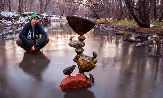 """Người nghệ sĩ kỳ diệu khiến những hòn đá cũng biết… """"thiền"""" - 1"""