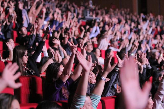 Đêm nhạc Modern Talking: Khán phòng bùng cháy, khán giả bỏ quên ghế ngồi - 5