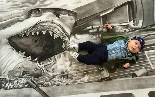 """Grayson trong cảnh phim """"Jaws"""" (Hàm cá mập - 1975)."""