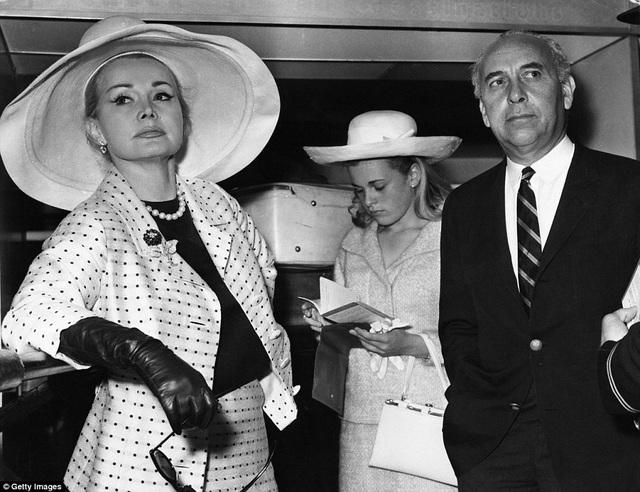 Năm 1962, Gabor kết hôn với doanh nhân Herbert Hutner rồi ly hôn năm 1966.