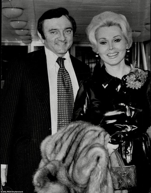 Gabor kết hôn với nhà thiết kế Jack Ryan năm 1975 rồi ly hôn năm 1976.