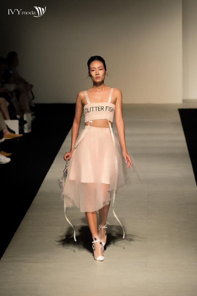Cơn sốt thời trang được tạo ra từ BST xuất hiện trong IVY moda Fashion Show - 4