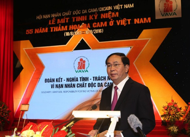 Chủ tịch nước Trần Đại Quang tại Lễ Mít tinh và Phát động chương trình Chung tay xoa dịu nỗi đau da cam ngày 10/8/2016.