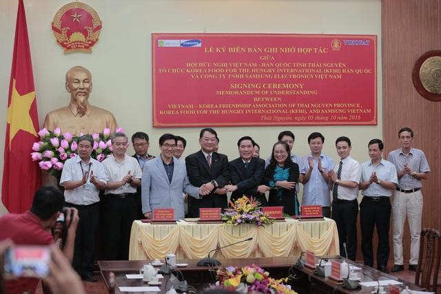 Lễ kí kết Biên bản ghi nhớ về việc thành lập Trung tâm Hợp tác Việt Hàn tỉnh Thái Nguyên (VCC).