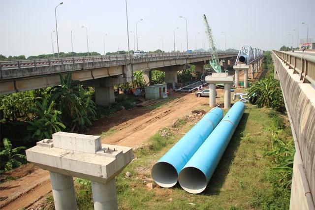 Tiến độ thi công Dự án đường ống nước sạch số 2 sẽ khiến người dân Thủ đô Hà Nội vẫn có nguy cơ bị thiếu nước sạch trong thời gian tới.