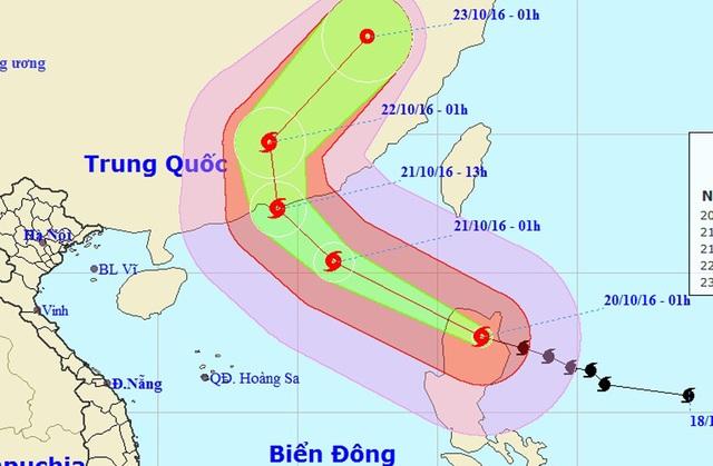 Vị trí và hướng di chuyển của siêu bão HAIMA (Ảnh: NCHMF).