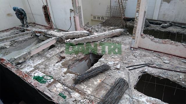 Phá dỡ ngôi nhà nghiêng gần 1m ở Hà Nội - 2