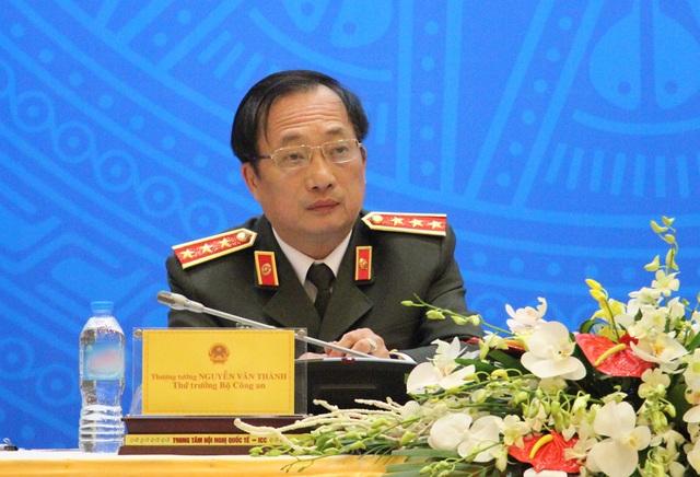 Thượng tướng Nguyễn Văn Thành tại cuộc họp báo công bố quyết định đặc xá cho hơn 4.000 phạm nhân năm 2016.