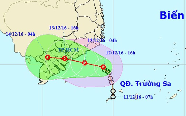 Áp thấp nhiệt đới đang tiếp tục tiến sát bờ biển các tỉnh từ Bình Thuận - Bến Tre (Ảnh: NCHMF).