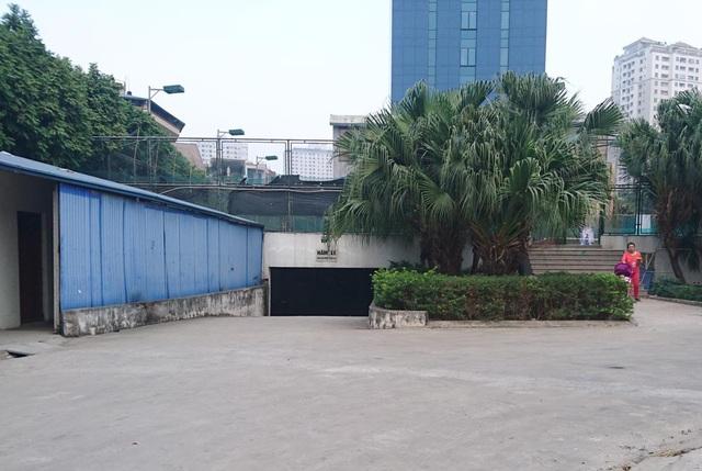 Đường dẫn vão bãi xe ngầm mà trong quy hoạch là bãi xe nổi với diện tích 1.669m2.