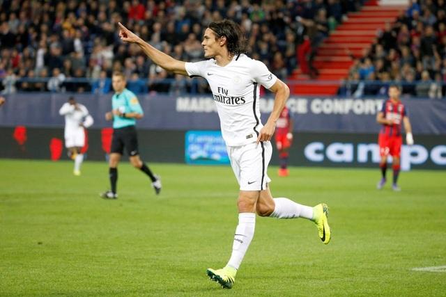 Cavani tỏa sáng với 4 bàn thắng