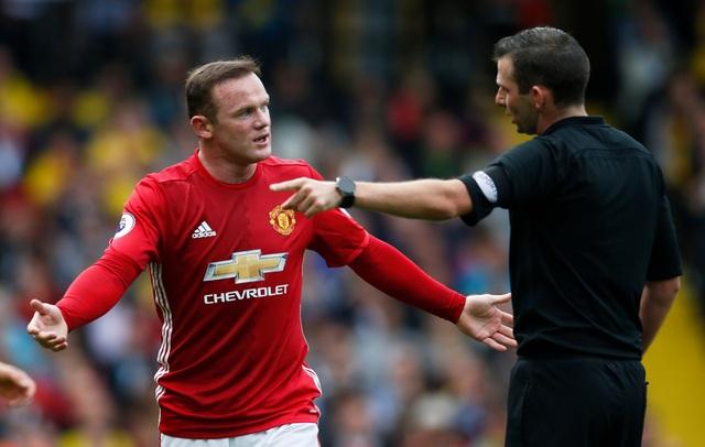 Wayne Rooney sẽ phải ngồi dự bị vào cuối tuần này?
