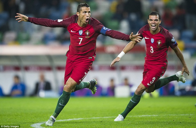 C.Ronaldo tỏa sáng rực rỡ với 4 bàn thắng