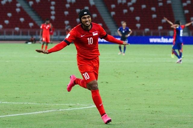 Fazrul Nawaz từng lỡ hẹn với AFF Cup 2008. Giờ đây, anh tiếp tục không thể tham dự AFF Cup 2016 vì chấn thương nặng ở đầu gối trái. Chấn thương của cựu binh này khiến HLV Sundramoorthy đau đầu bởi ông rất cần kinh nghiệm của anh ở giải đấu năm nay.