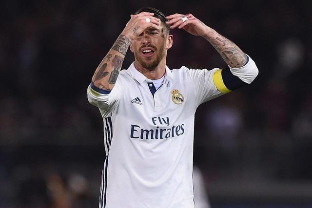 Người hâm mộ cho rằng đáng ra Sergio Ramos đã bị đuổi