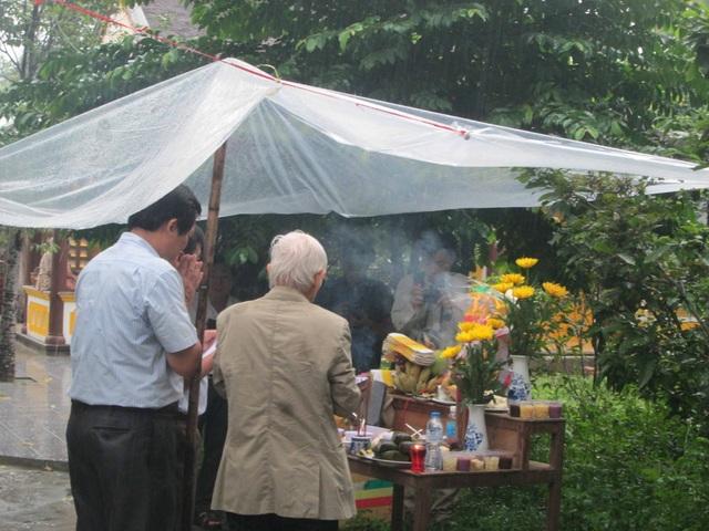 Nghi thức động thổ cũng được thực hiện tại chùa Thuyền Lâm
