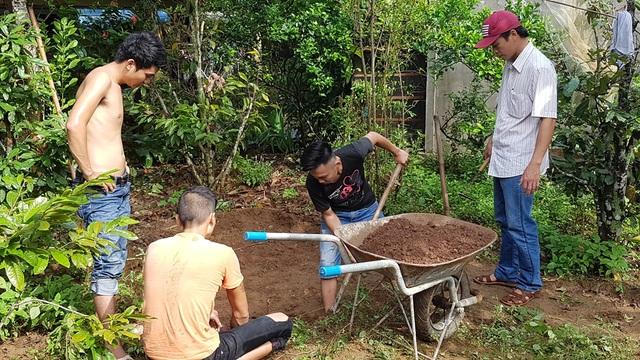 Tiến hành đào hố khảo cổ đầu tiên ở sân sau chùa Vạn Phước