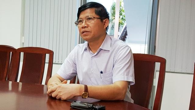 TS. Phạm Văn Hùng, Giám đốc Sở GD-ĐT tỉnh Thừa Thiên Huế cho biết sẽ xử lý thầy Hào ở mức cao nhất có thể để răn đe giáo viên