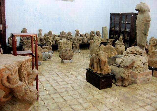 Kho Chàm tại Bảo tàng Cổ vật Cung đình Huế.