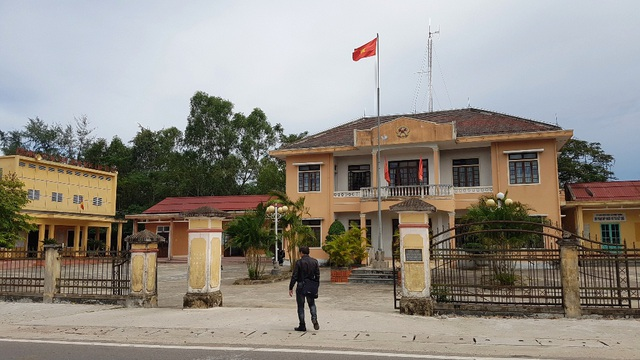 Trụ sở UBND xã Vinh Thanh. Ông Nguyễn Hồng Anh, Trưởng Công an xã này bị tạm đình chỉ công tác 1 tháng để phục vụ công tác điều tra