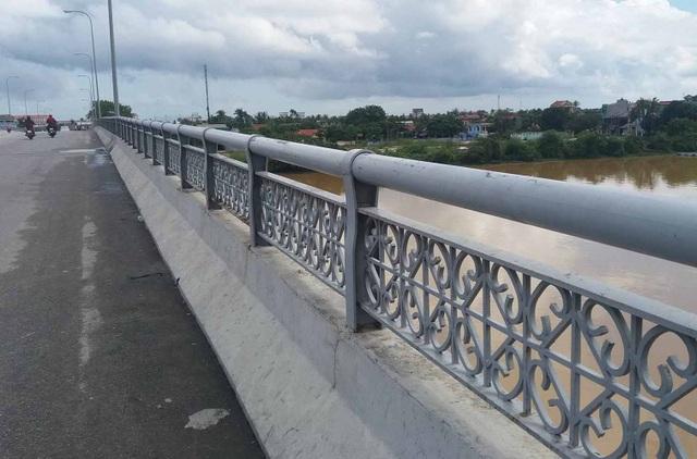 Cầu chợ Dinh, nơi người đàn ông trẻ tuổi tự tử