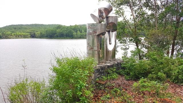 Sẽ dời các vườn tượng bị bỏ hoang ra dọc sông Hương - 10