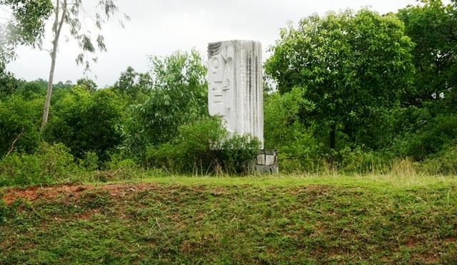 Sẽ dời các vườn tượng bị bỏ hoang ra dọc sông Hương - 7