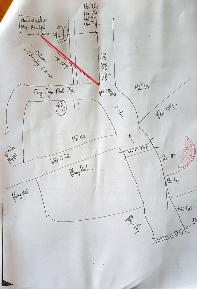 Đường ống xả nước thải kéo dài hơn 9km (đường vạch đỏ) của Công ty TNHH Dệt may Vinatex Quốc tế Toms Quảng Trị đổ thẳng ra ngã ba hói Zét - nơi giao 3 con sông (ảnh: huyện Phong Điền, tỉnh Thừa Thiên Huế vẽ mô phỏng)