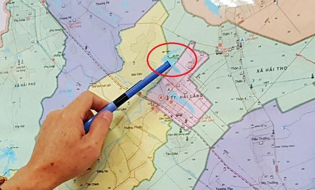 Sau khi dư luận không đồng tình, vị trí xả thải mới của nhà máy dự kiến sẽ đổ vào hồ Đập Thanh tại thị trấn Hải Lăng (vị trí khoanh tròn màu đỏ).