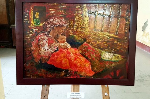 Tình thương – Nguyễn Ngọc Trâm – Sơn mài 50x70cm