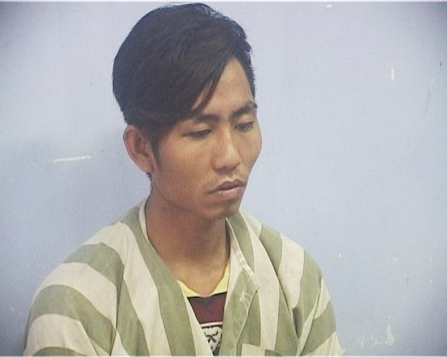 Nghi phạm Ngô Ngọc Quang bị công an huyện Phú Lộc bắt giữ sau khi lẻn vào xe ông Xuân ẩn nấp, chờ chủ nhân về rồi lấy dao khống chế cướp tài sản